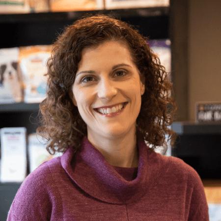 Dr Brenna Roth